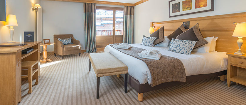 france_espace-killy-ski-area_val-disere_chalet_hotel_&_spa_Le_savoie_chambre-405-deluxe.jpg